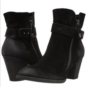BRAND NEW Paul Green 'Dallas' Booties!! Size 8